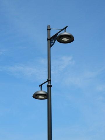 Lanterne stradali classiche a led e pali per illuminazione for Illuminazione stradale led